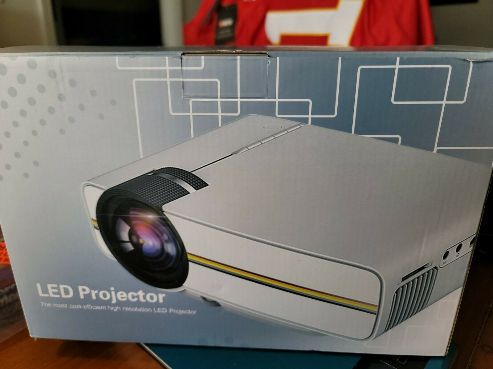 foxliquidation Elephas LED Projector