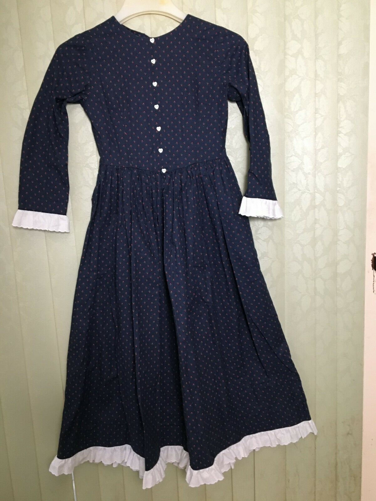 Handmade Prairie Dress Blau with Ruffle Cuffs and Hem Größe Small
