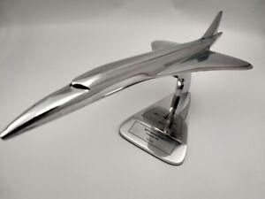 Avion Concorde 46cm 50eme anniversaire Mach 2 4/11/1970 en aluminium sur socle