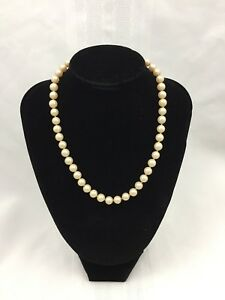 VINTAGE-COSTUME-JEWELRY-OFF-WHITE-034-PEARL-034-NECKLACE-W-METAL-CLASP-16-INCHES-LONG