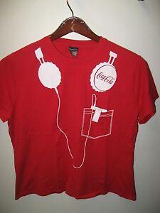 Coca-Cola-Koks-Soda-Pop-Ipod-MP3-Player-Kopfhorer-Rot-amp-Weis-Damen-T-Shirt-XL