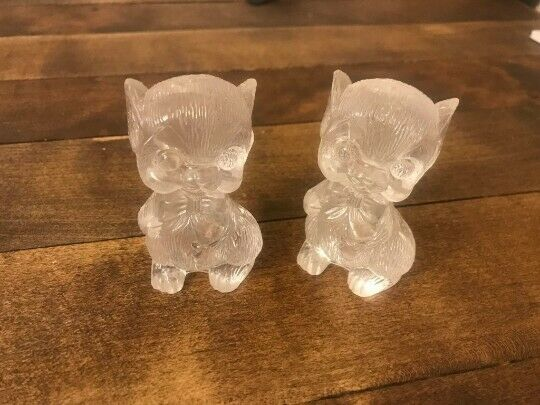 Vintage 1960s Salt and Pepper Shakers  Lucite S /& P