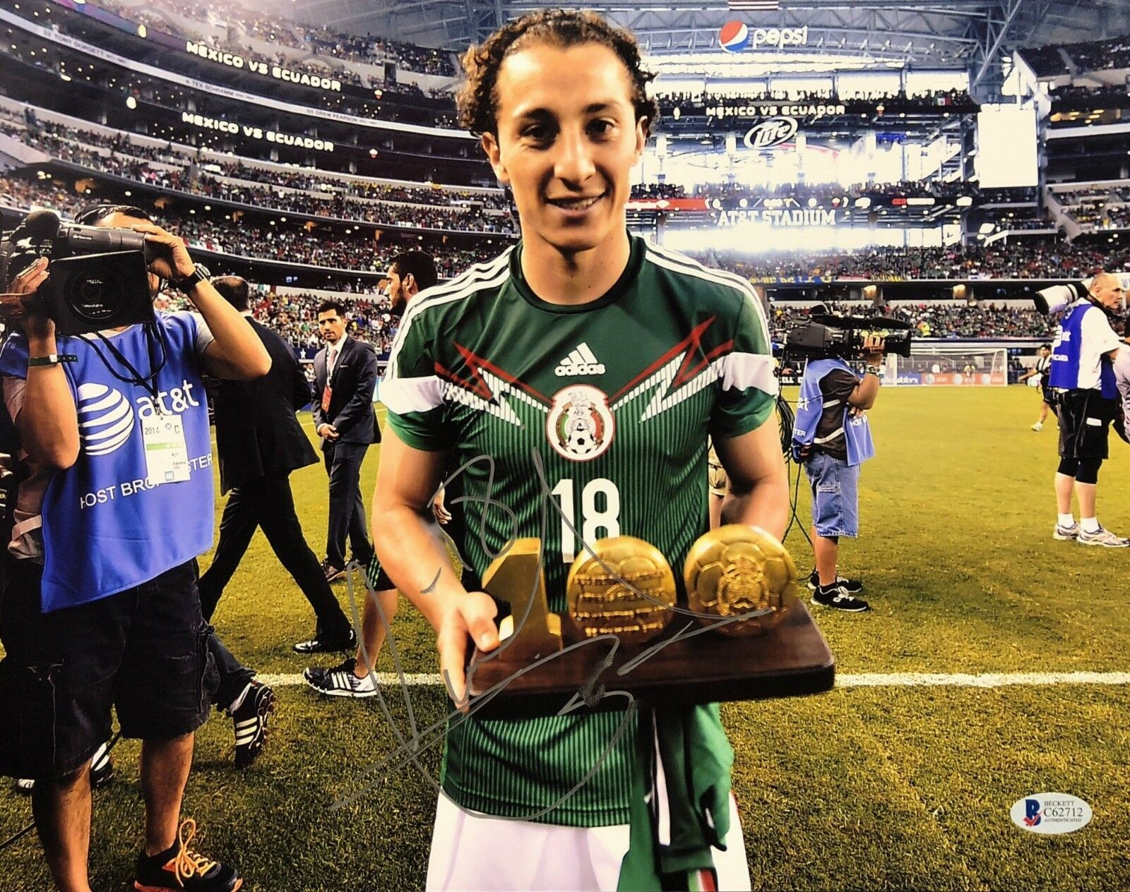 Andrés Guardado Signed 11x14 Soccer Photo *Betis BAS Beckett C62712