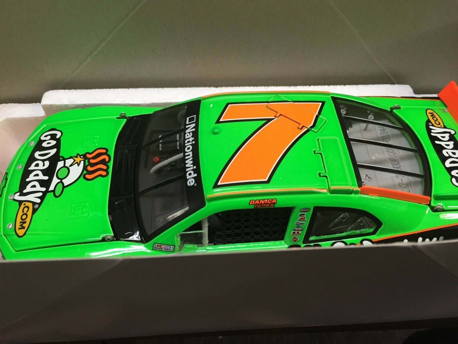 1 24 Acción Danica Patrick '12 Impala Godaddy  1of 2177