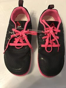 Women s Reebok size 6-1 2 black hot pink laces Sublite workout ... 1417a4d2a