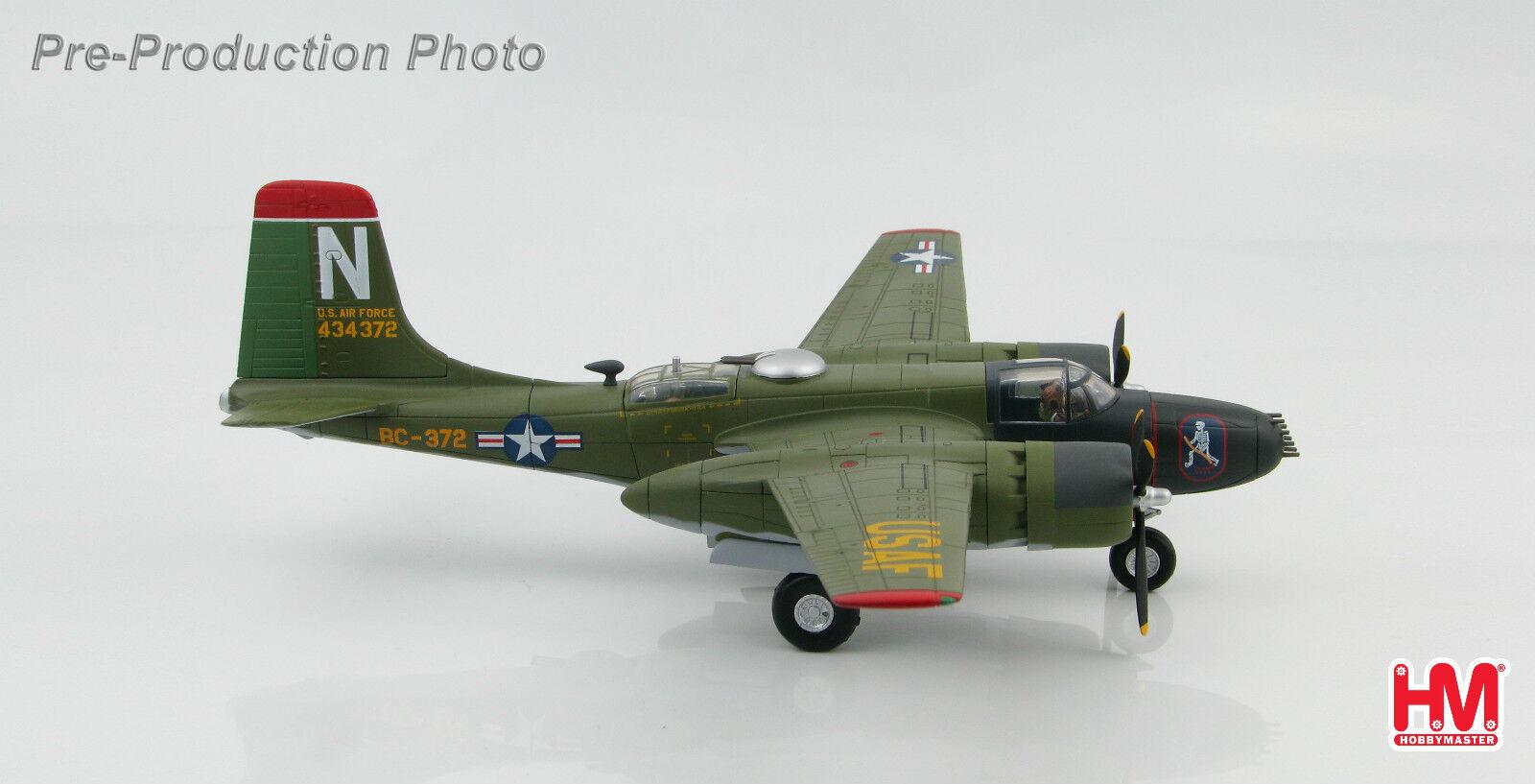 Hobby Master HA3210 Douglas A-26B Invader Bombardier 13TH esron de la Corée du Sud En parfait état, dans sa boîte