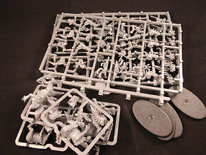 Lizardmen-Age-of-Sigma-Seraphon-Saurus-Cold-One-Knights-on-Plastic-Frame