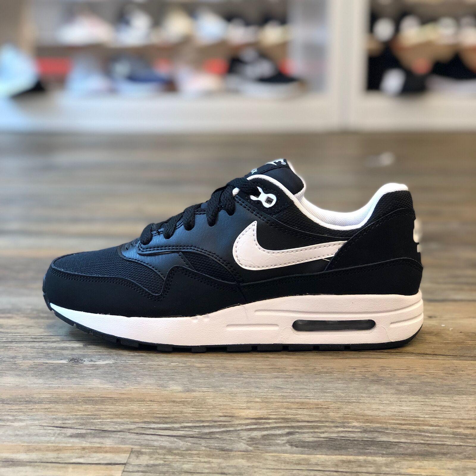 Nike Air Max 1 Gr.37,5 Running Schuhe Turnschuhe schwarz 270