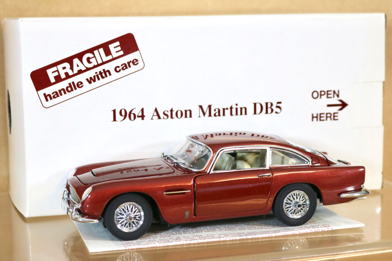 DANBURY MINT 1 24 1964 ASTON MARTIN DB5 DUBONNET RED BOXED ni