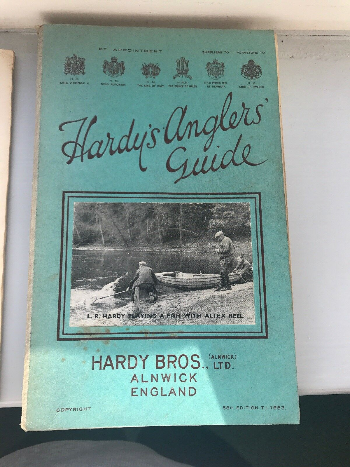 VERY GOOD SCARCE VINTAGE HARDY ANGLERS GUIDE 59th Edition 1952