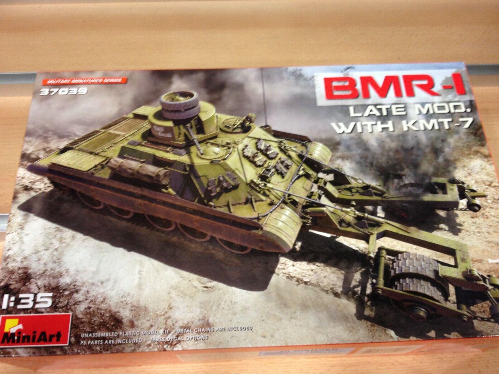 Maqueta MiniArt U.S Bulldozer,ref.38022,escala 1 35