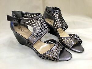 "7.5 Women's Enzo Angiolini ""Eaquinn"" Cut Out Wedges Silver Metallic Gladiator"