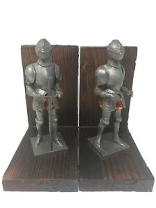 Rare-Vintage-Mid-Century-Wood-and-Metal-Figural-Medieval-Knight-Bookends