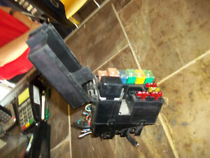 2008 2009 2010 2011 ford focus small fuse relay box engine. Black Bedroom Furniture Sets. Home Design Ideas