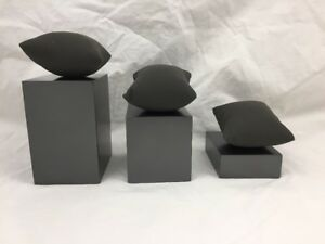 LOT-OF-8-3-BLOCK-SET-BRACELET-OR-WATCH-DISPLAY-GRAY-WITH-JEWELRY-DISPLAY-PILLOWS