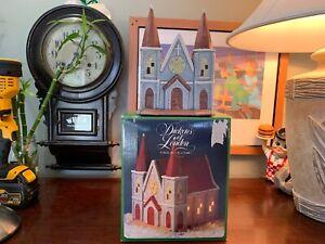 Porcelain-Light-Up-Church-Hand-Painted-Christmas-House-Vintage-Rare-Pristine