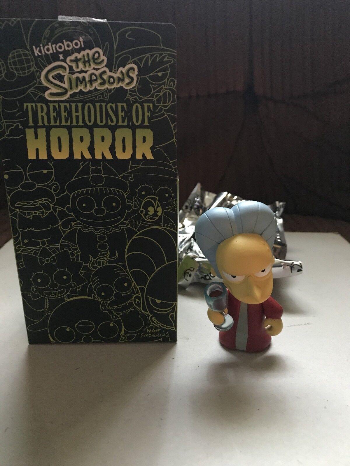 Kidrobot Simpsons Treehouse of Horror Dracula Burns 1/40 vinyl figure