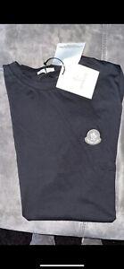 T Shirt Moncler Taille M couleur Noir Top Qualité