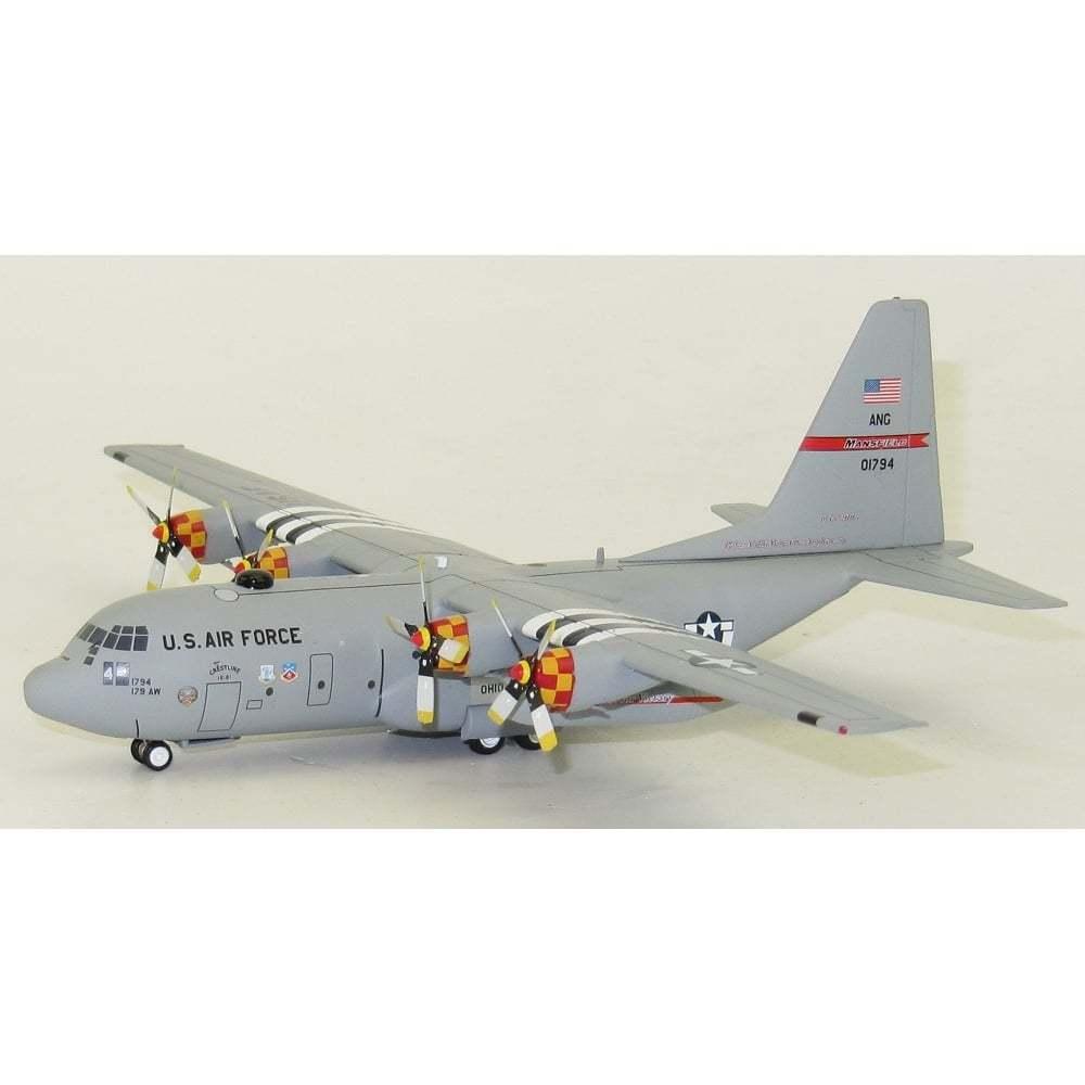 Inflight 200 IF130OHANG001 1 200 Eeuu Air Force Lockheed C-130 90-1794 con