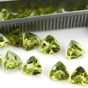 Wholesale-Lot-5mm-to-8mm-Trillion-Cut-Natural-Peridot-Loose-Calibrated-Gemstone