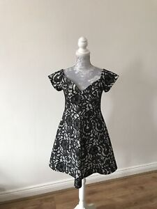 BNWT-River-Island-Fit-And-Flare-Lace-Effect-Dress-Size-12