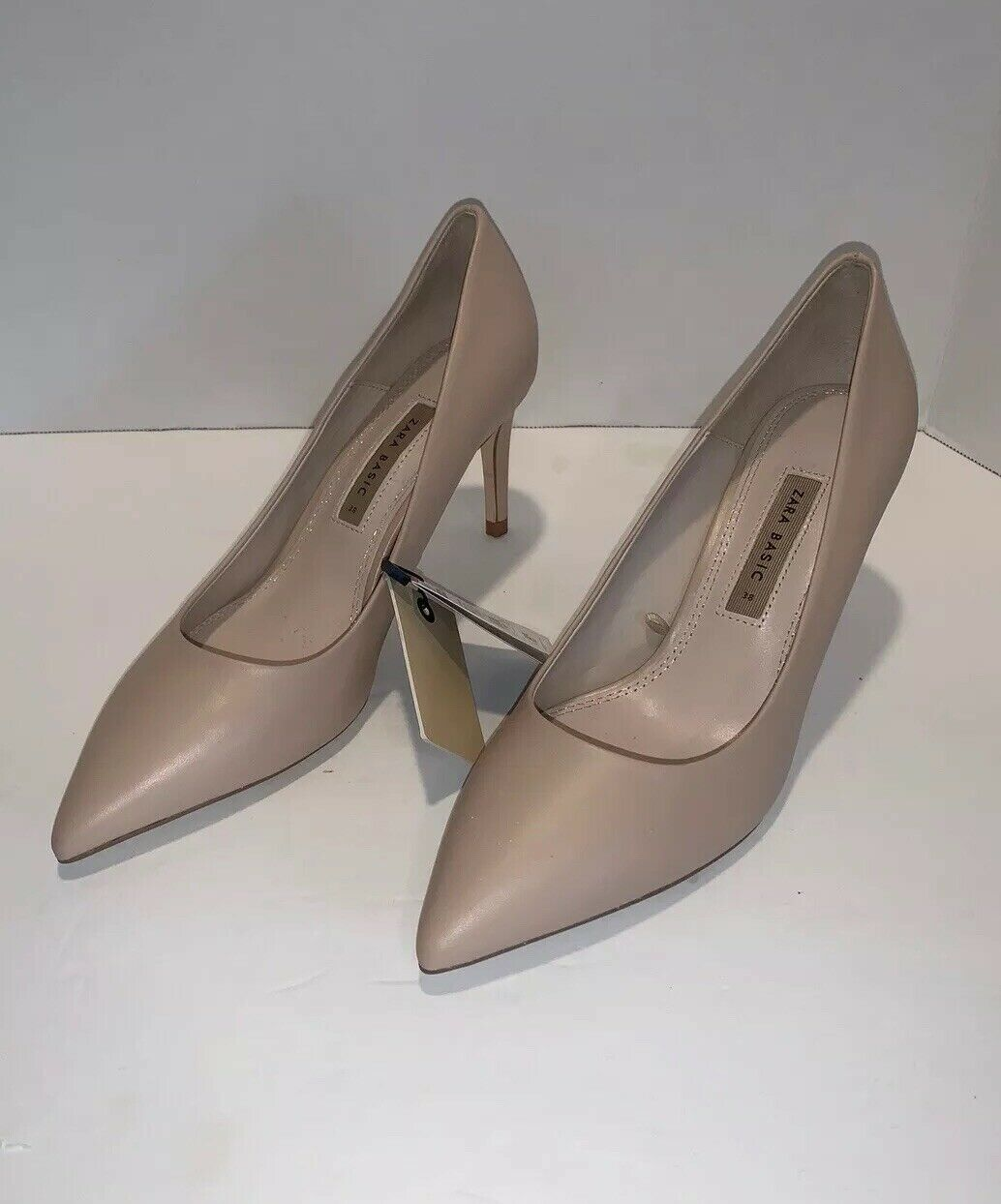Zara Women's Beige Leather Pointy Pumps - NEW Size 7.5 REF 2911 201