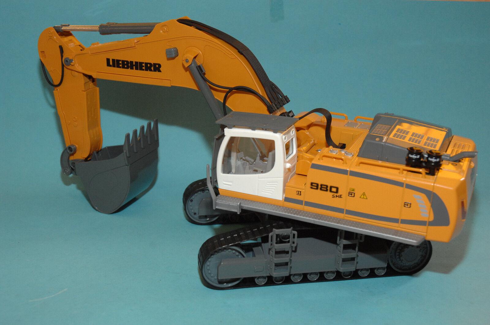 SIKU Control32 6740 LIEBHERR R980 SME Crawler excavator RC Model 1 32 NEW