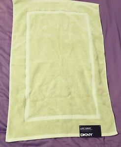 DKNY-Luxe-Tub-Mat-Made-w-Supima-Cotton-Green-New-with-tags