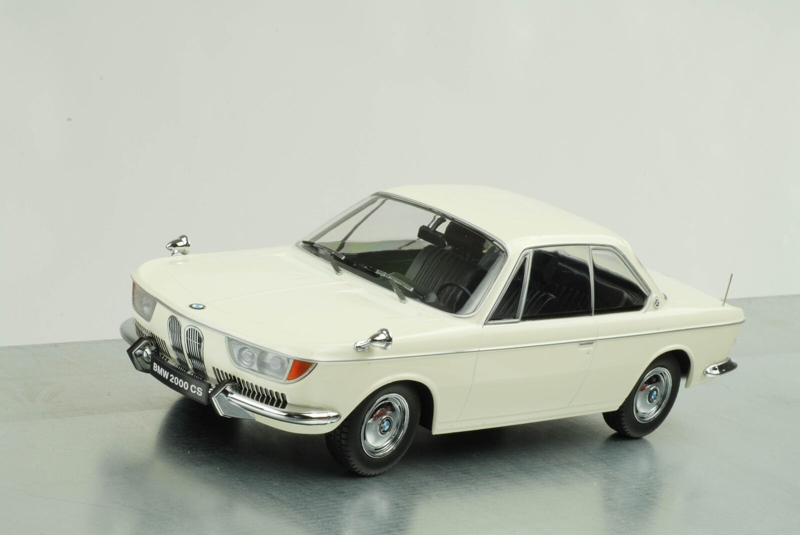 1965/1970 BMW 2000 Cs Coupè Karmann/Bianco Crema 1:18 Kk Scale Diecast