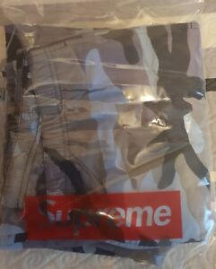 a4433ab1ecfbc Supreme Warm Up Pant (Blue Camo) Size L Large SOLD OUT - SS18 - WEEK ...
