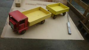 DDR Spielzeug – LKW, Auto mit Pritschenladefläc | markt