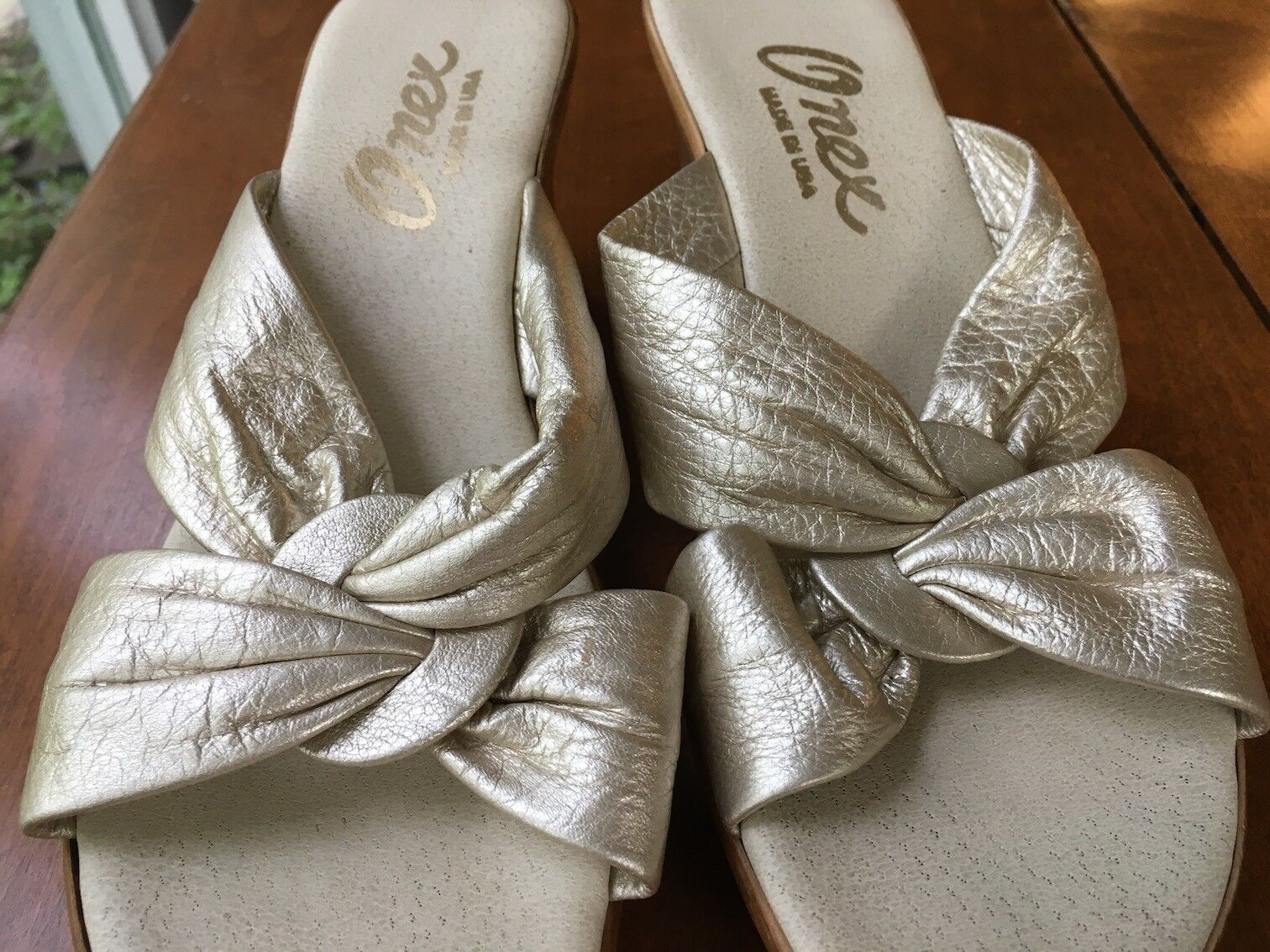 Vintage 1970's Onex oro 3  Wedge Sandals, Made in USA, Mint, Dimensione 8