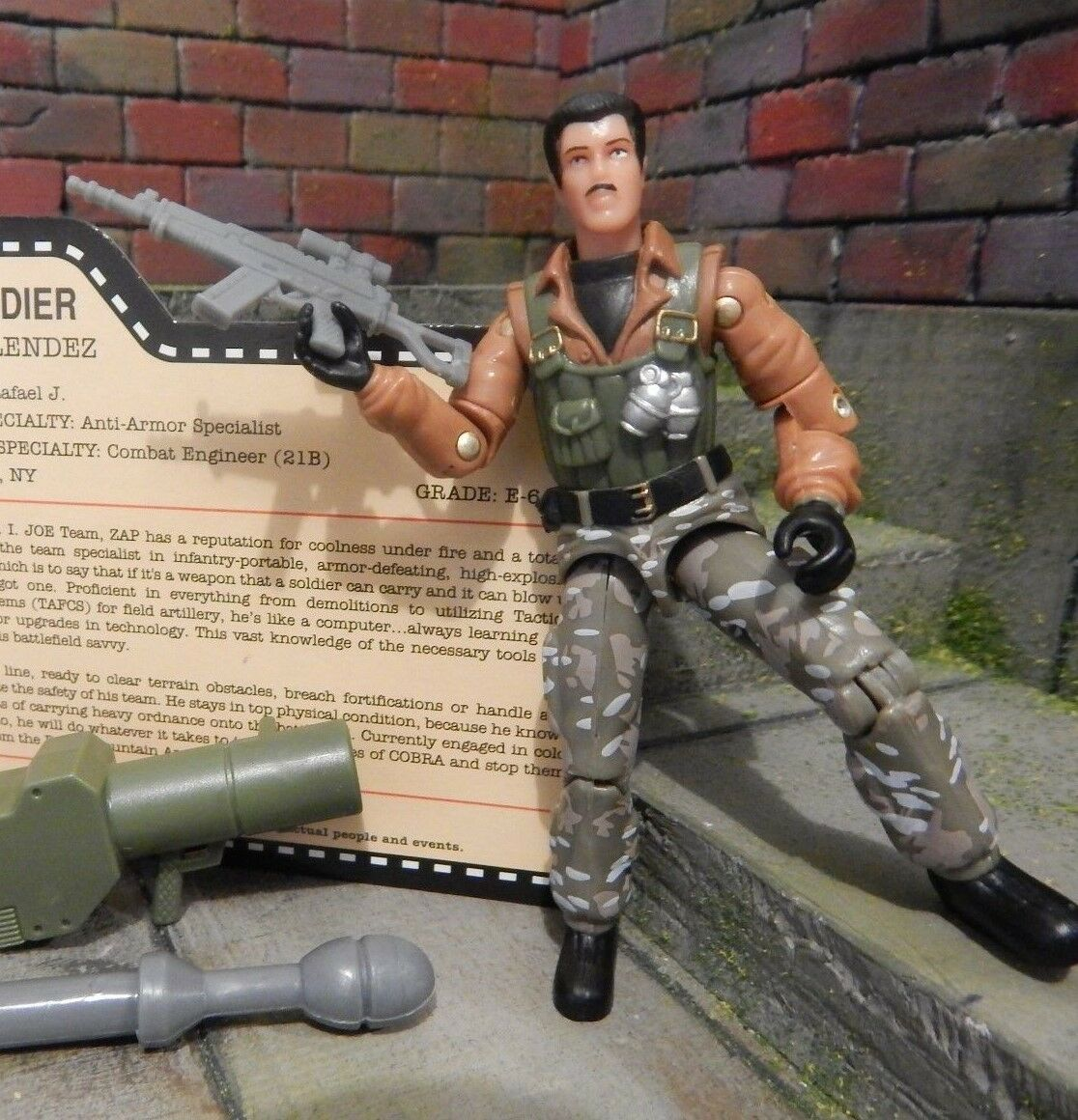 GI GI GI JOE  2007 ZAP  100% MINT & COMPLETE  TANKS FOR THE MEMORIES  JOECON  1982 799842
