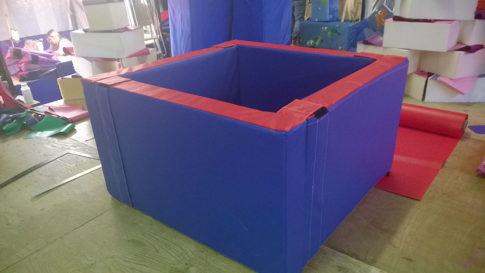 High Wall  Ball Pond 4.6ft  x 4.6ft x 30  x 6inch  Special needs Made to order