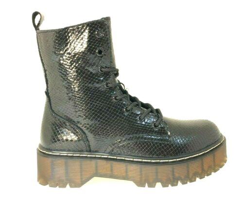 Trend Boots Schwarz gewebt glänzend Plateau !!!!