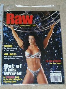 WWF-MAGAZINE-RAW-NOVEMBER-2000-WRESTLING-CHYNA-COVER-WWE
