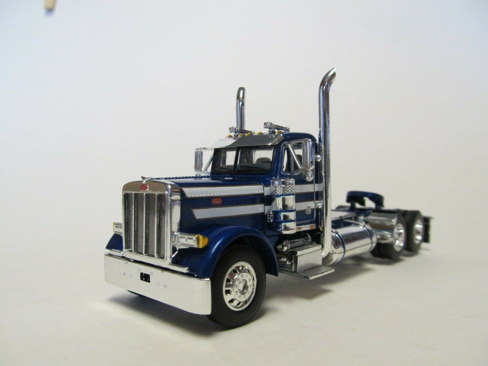 Dcp Blue White Peterbilt 389 36 Flattop Sleeper Cab Only 1 64 60 0710 C Contemporary Manufacture Farm Vehicles