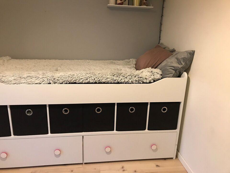 Halvhøj seng, Halv høj seng fra Ilva , b: 90 l: 200
