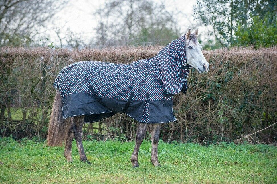 'Oregon' Trojan Med weight,200g Combo Turnout Rug in Polka Dot design by Gallop.