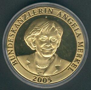 Deutschland-Medaille-vergoldet-Angelika-Merkel-2005-40-2mm-26-21g-Proof-Like-Kapsel