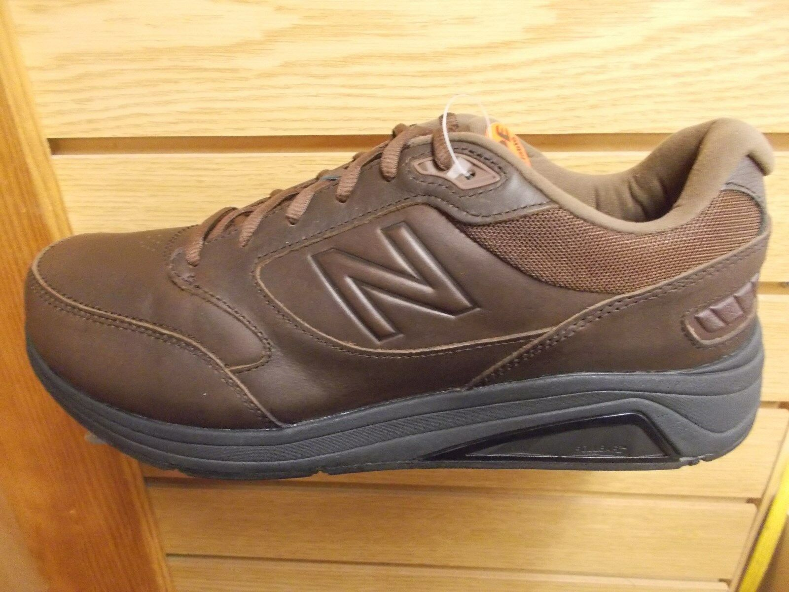 NEW BALANCE MEN'S MW928 BR3  BROWN WALKING SHOE V3 MEDIUM (D) WIDTH NEW IN BOX