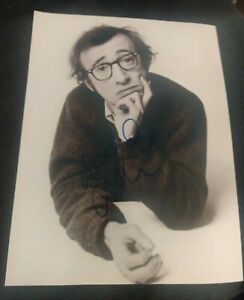 WOODY-ALLEN-SIGNED-8X10-PHOTO-DIRECTOR-LEGEND-W-COA-PROOF-RARE-WOW