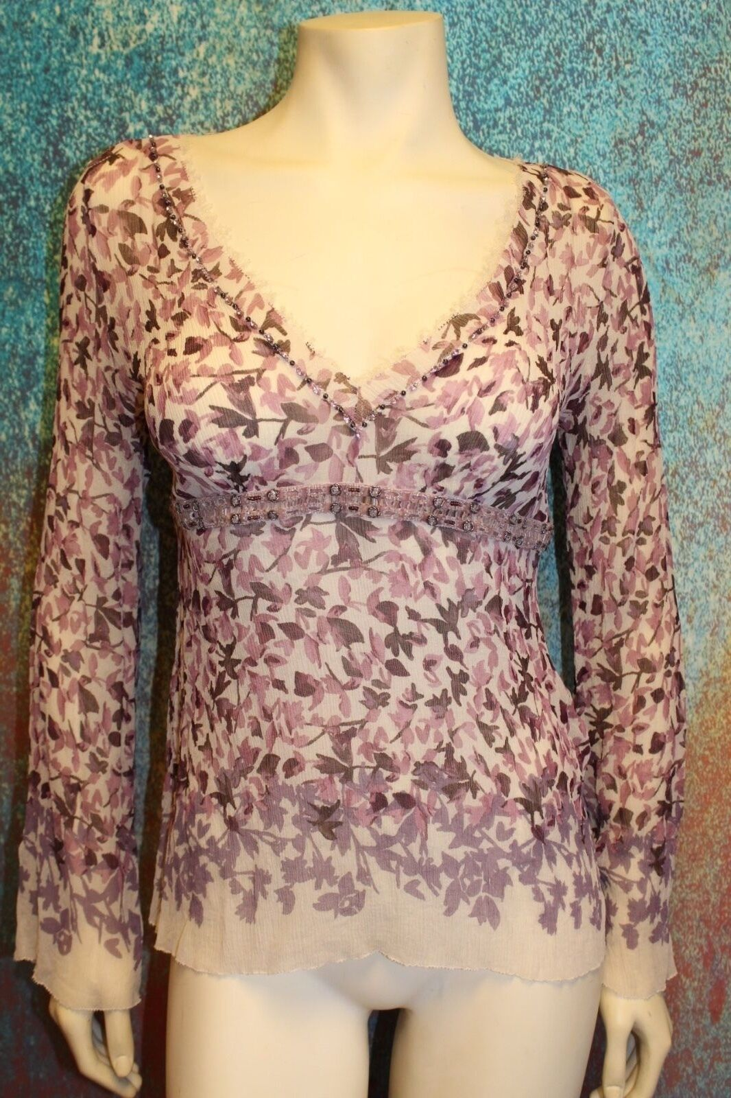 Elie Tahari Top Blouse Sheer 100% Silk, Rosa lila Floral Beaded Lace  Größe M