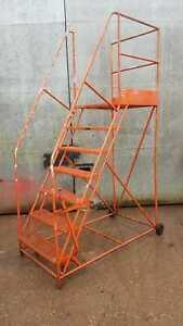 Mobile-Warehouse-Steps-Steel-Construction-7-Tread-Platform-Ladder