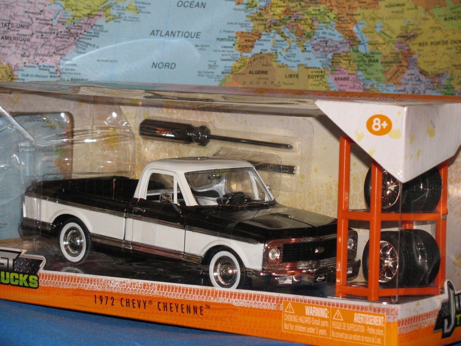 1 24 Jada sólo camiones 1972 Chevy Cheyenne camión 4 X rueda adicional nuevo y muy difícil de encontrar