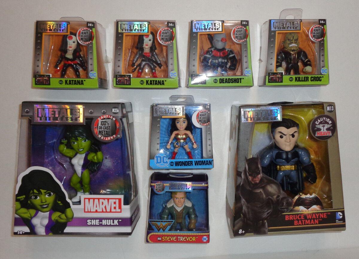 Lote de (8) Jada Juguetes metales Die Cast figuras 4  y 2.5   Nuevo, personajes diversos