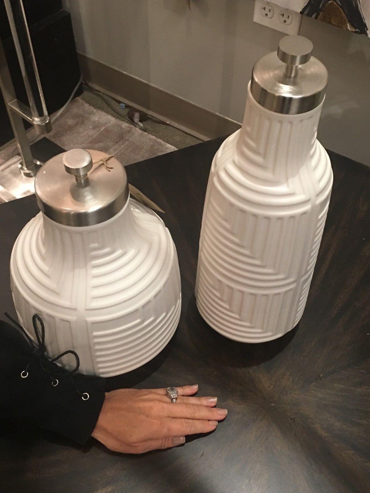 Cuatro urnas decorativo de cerámica blancoo mate texturado botellas Tapas de níquel cepillado