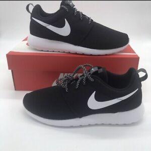 c23987a5919a Nike Black White Women s Shoe Roshe One Casual 844994-002 Roshe Size ...