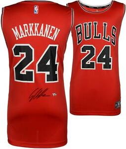 Lauri Markkanen Chicago Bulls Autographed Red Fanatics Fastbreak Jersey