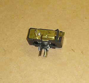 Fuel gauge vibrator for vw bug